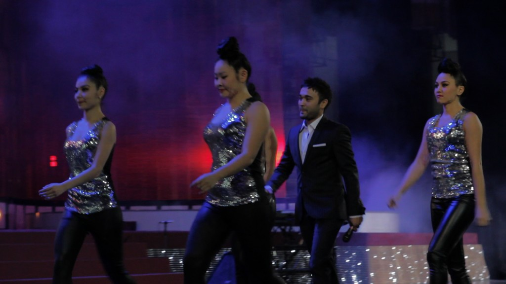 Singer, Shokhruhhonperforming  with back back-up dancers at the M&TVA Awards