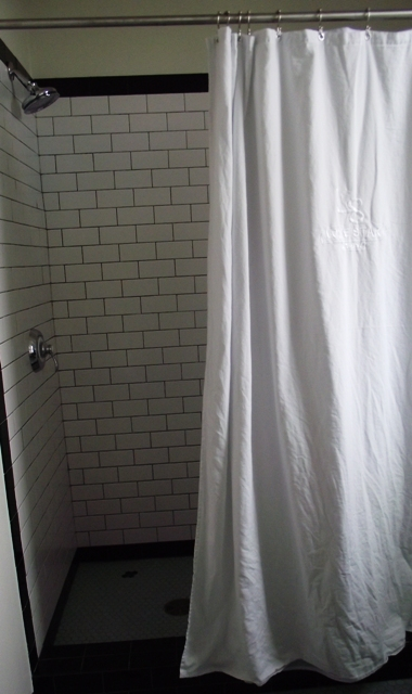 Lone Star Court Hotel Shower (Photo by LoudPen)