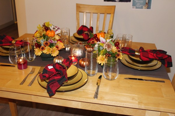 Pensgiving (Tablescape and Photo by LoudPen)